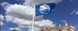 Imatge de La bandera blava onejarà de nou a les dues platges de Cunit 11