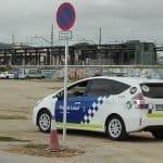 Es regula l'estacionament a l'esplanada per sota de l'estació