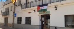 Imatge de L'ajuntament de Cunit penja la bandera Sahrauí al balcó aquest cap de setmana 6