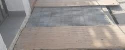 Imatge de Continuen arranjant-se voreres al municipi 10