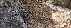 Imatge de Avança la reconstrucció de la tercera Barraca de Pedra Seca 11