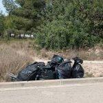 Campanya de neteja de residus a zones boscoses del municipi